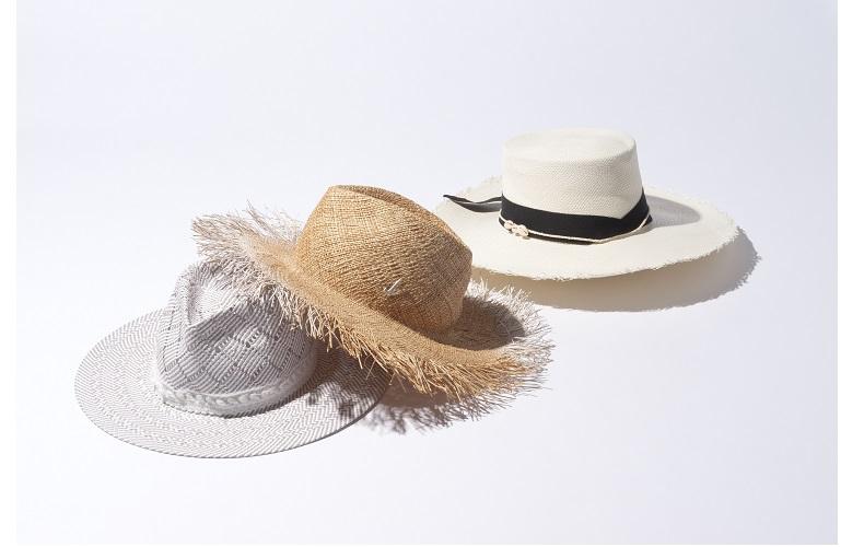 夏 帽子 素材 麦わら帽子 ストローハット 天然素材 ラフィア コットン 綿 色 カラー ナチュラル ホワイト ブルー ベージュ ピンク 日焼け 日よけ 対策 つば広 ママコーデ コンパクト キャップ キャスケット オシャレコーデ デザインハット デザイン帽子 繊細 バイカラー ライン リボン