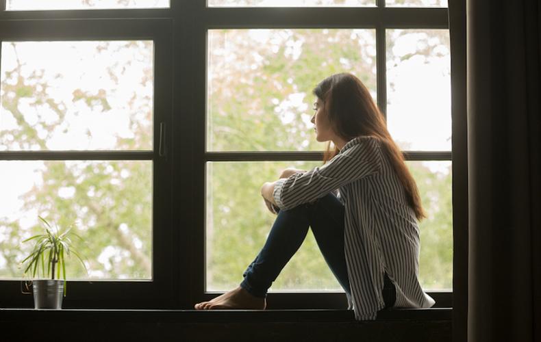 独り言 多くなる 時 寂しい 100人 体験談 アンケート 精神科医 対処法
