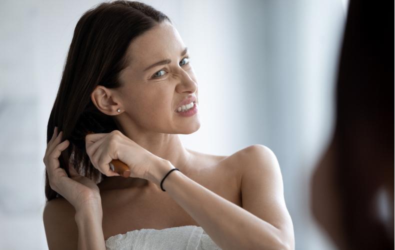 髪の毛 パサパサ パサつく 乾燥 なぜ 原因 対処法 ケア方法 ドライヤー使い方 シャンプー アウトバストリートメント オイル