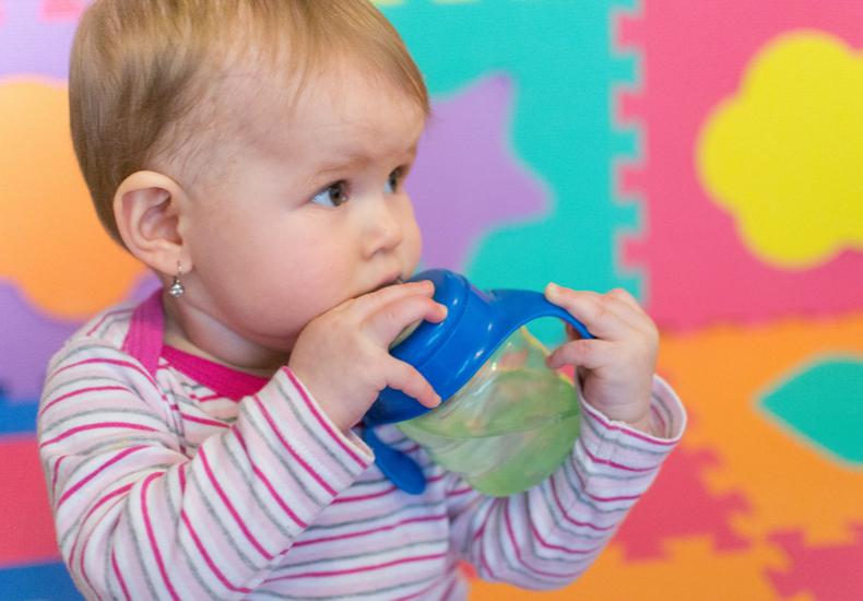 スパウトとは 赤ちゃん 時期 いつ 練習 選び方 ポイント コツ おすすめ 商品