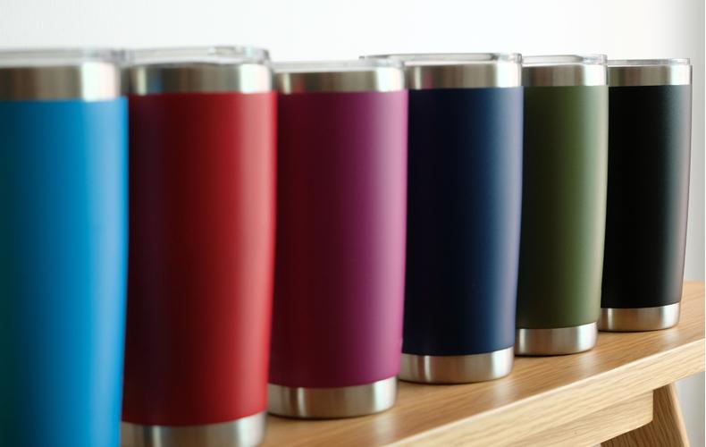 保温マグカップ 選び方 ポイント コツ おしゃれ こぼれにくい 便利 蓋つき 蓋付き アウトドア ステンレス プレゼント イラスト かわいい デザイン 温かさキープ 保温 給電可能タイプ
