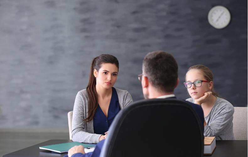モンスターペアレント意味性格特徴心理考え行動対処法対応付き合い方
