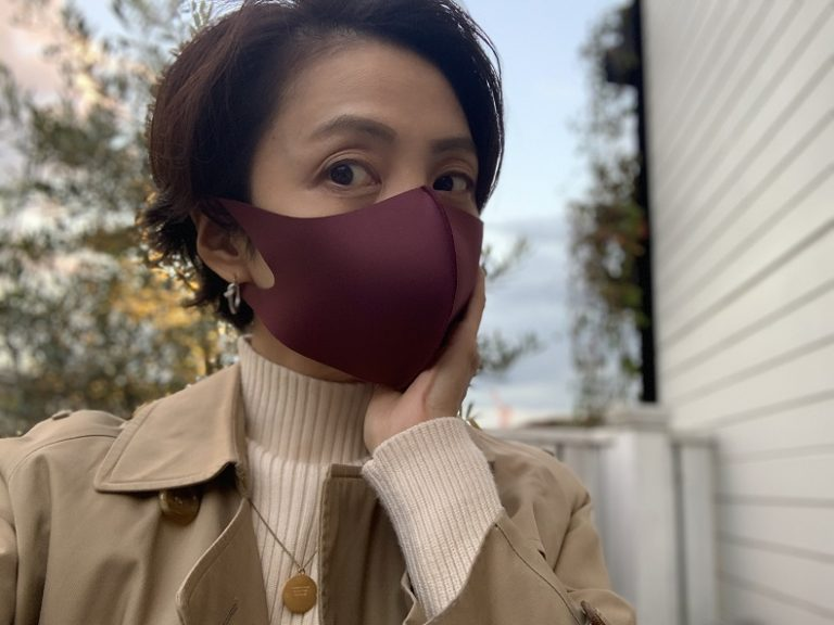 シックな色合いも◎洗えるクールマスク
