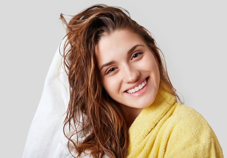 頭皮の匂いニオイ臭いにおい改善方法ケア方法原因頭皮トラブル悪化シャンプー方法注意点気をつけたいこと頭皮ケアグッズアイテム