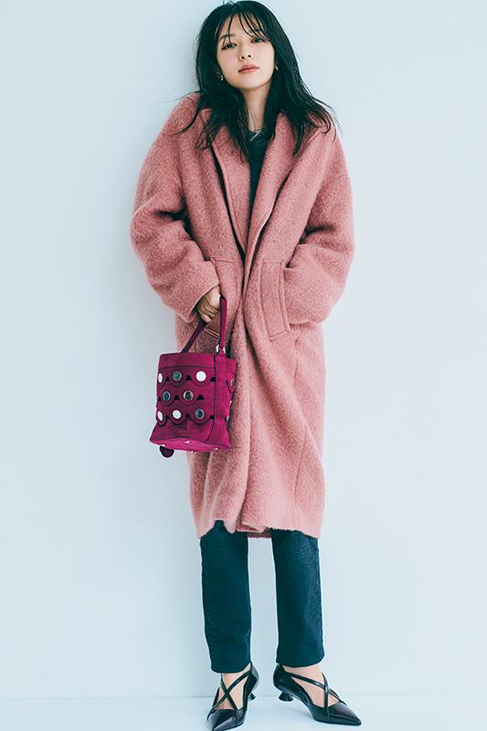 【1】グレースエット×デニムパンツ×ピンクコート