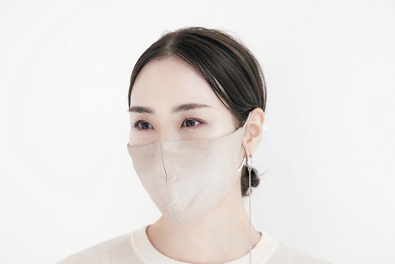 ジュエリーデザイナー・小林有里さんのマスクメイク