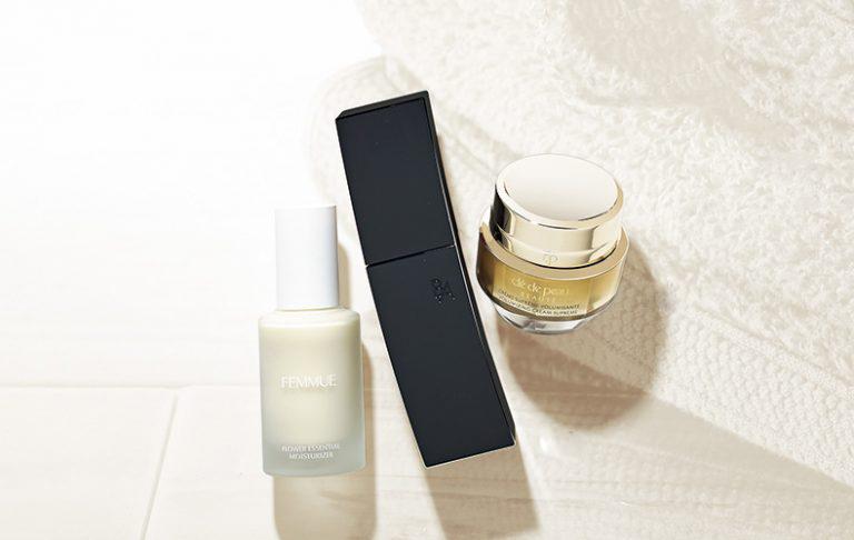 乾燥から肌を守り抜く、美容賢者お墨付きの乳液2選