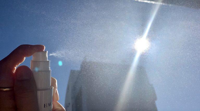 外出のお供に、日焼け止めスプレー