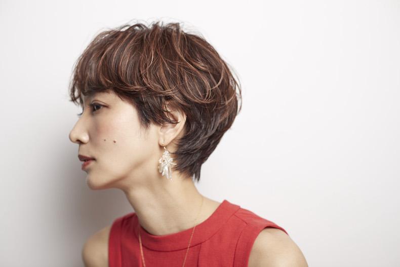 毛先の動きが華やかなゆるっとパーマの髪型