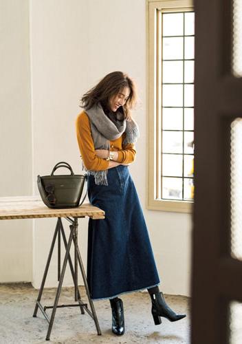 【1】キャメルニット×ストール×デニムロングスカート