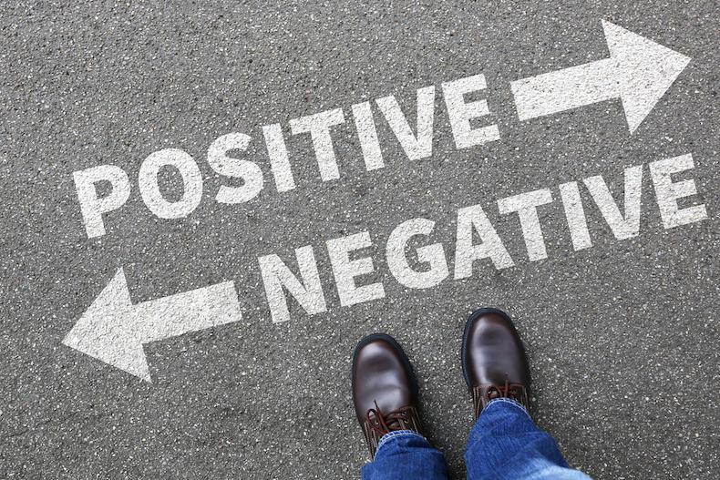 自己否定とはなぜ自己否定をするのか自己肯定感が低い人高い人の特徴自己否定を改善する方法習慣