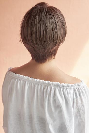 縮毛矯正やストレートパーマではねる髪を直す