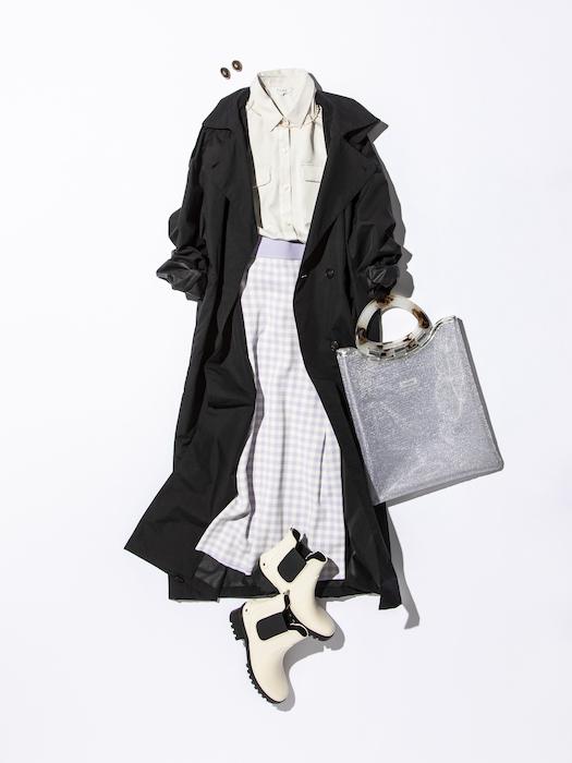 長めのスカートもしっかりカバー!「撥水ロングコート」のコーデ