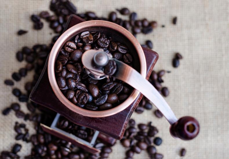 コーヒーミル おすすめ   手動式
