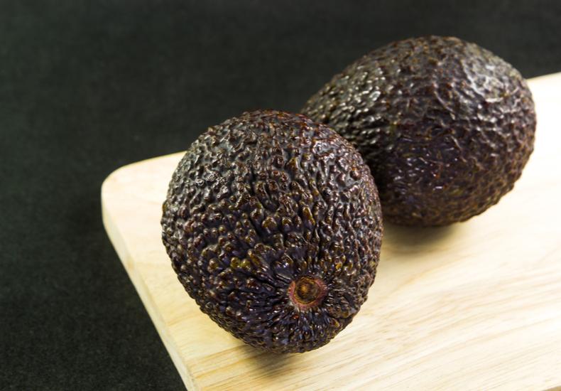 アボカド 黒い 食べられる 見分け方