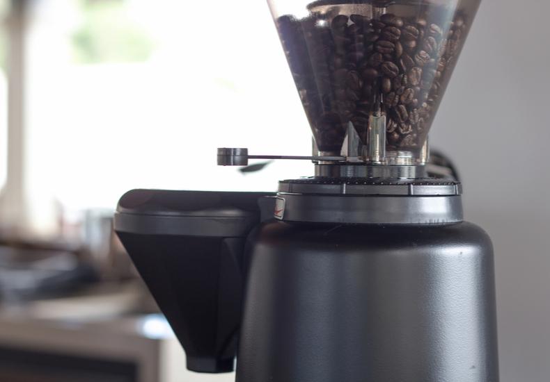 コーヒーミル おすすめ   電動式