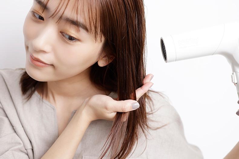 巻き髪をするときはスタイリング剤選びを慎重に
