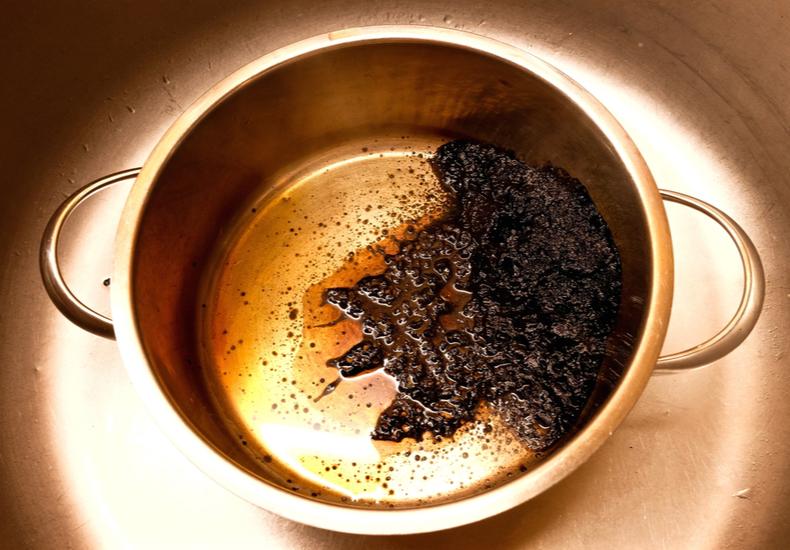 鍋 こげ  落とし方 対処 方法