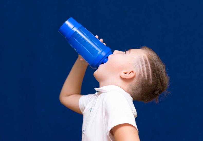 幼稚園 水筒  おすすめ 子ども 直飲み