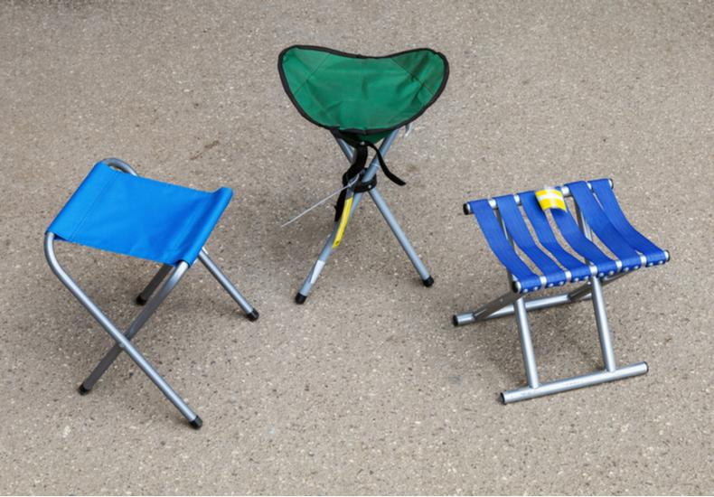 折り畳み椅子 軽量 小さめ        コンパクト