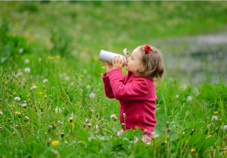 幼稚園 水筒  おすすめ 子ども コップ 直飲み 2way  便利