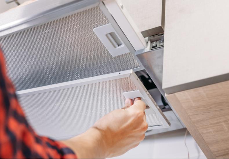 キッチン 換気扇 掃除 方法 簡単 汚れ 原因 注意点 ポイント
