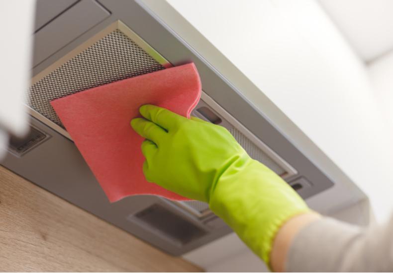 キッチン 換気扇 掃除 方法 簡単 汚れ 原因 キープ 予防 対策 防止