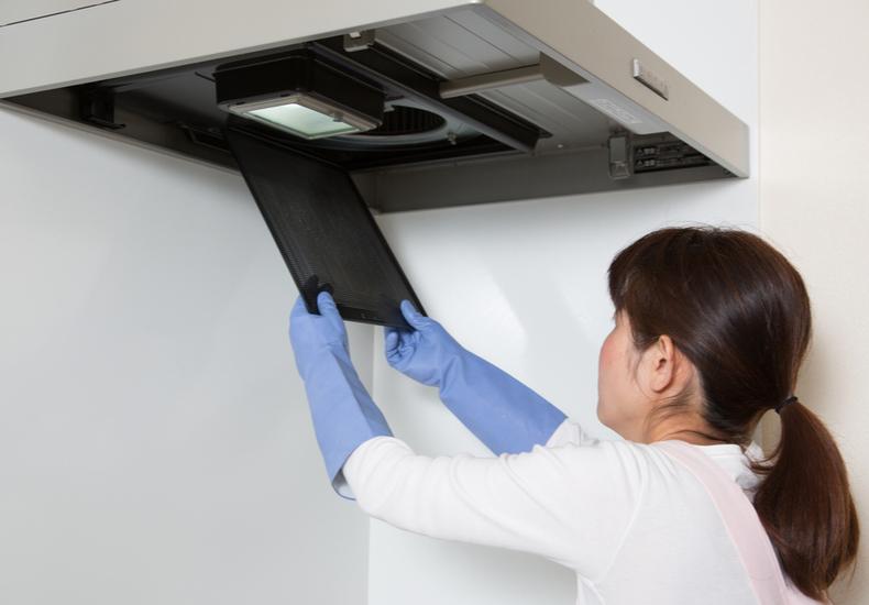 キッチン 換気扇 掃除 方法 簡単 汚れ 原因.