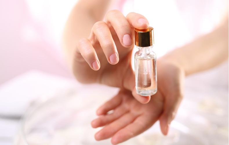 ネイルオイル 効果 使い方 選び方 おすすめ ネイルケア 特徴