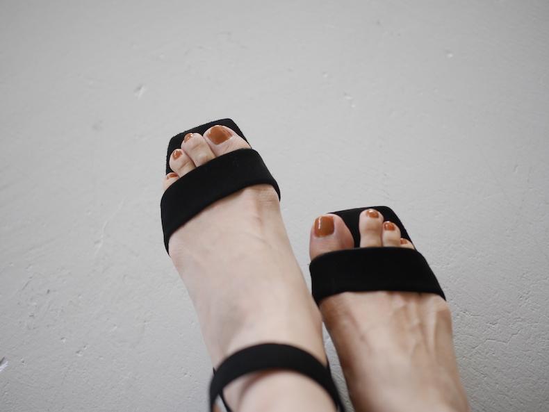 足や手にも使いたい!夏らしいカラーのネイル