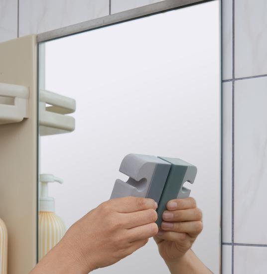 夏の掃除 夏の大掃除 風呂掃除 キッチン掃除 掃除道具 掃除用品 おすすめ掃除グッズ お風呂ブラシ バスブラシ バス用品 スコッチブライト 風呂の鏡 鏡掃除 鏡を綺麗に