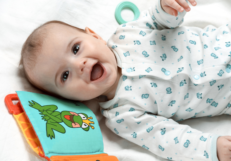 生後3ヶ月.おもちゃ おすすめ 人気 軽い かわいい